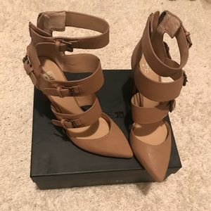 NEW Joe's Jeans Nude buckle heel sz 9.5